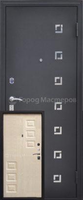 Входная дверь в квартиру звезда